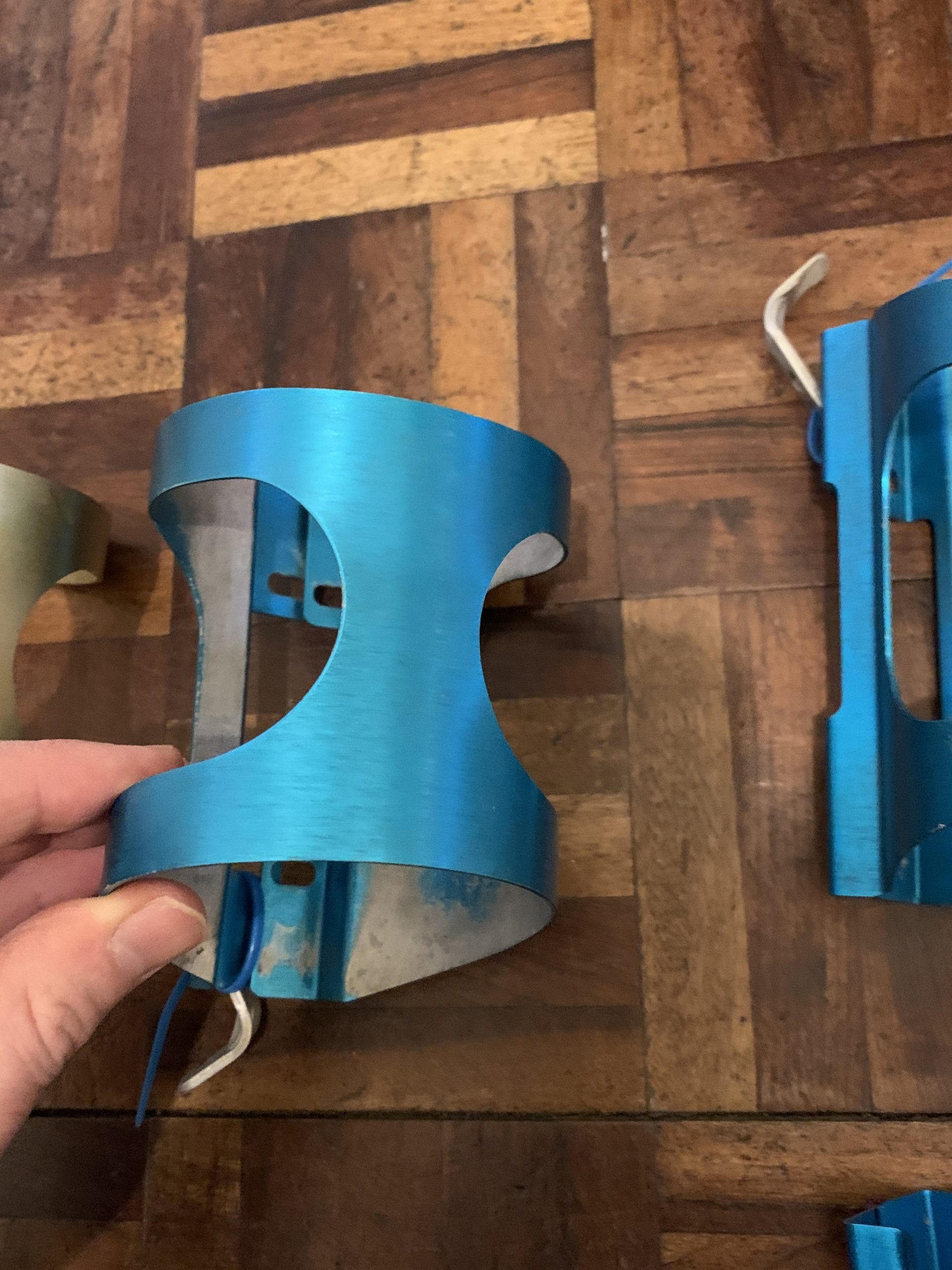 Ringle Blue H20 Cages with L Bend